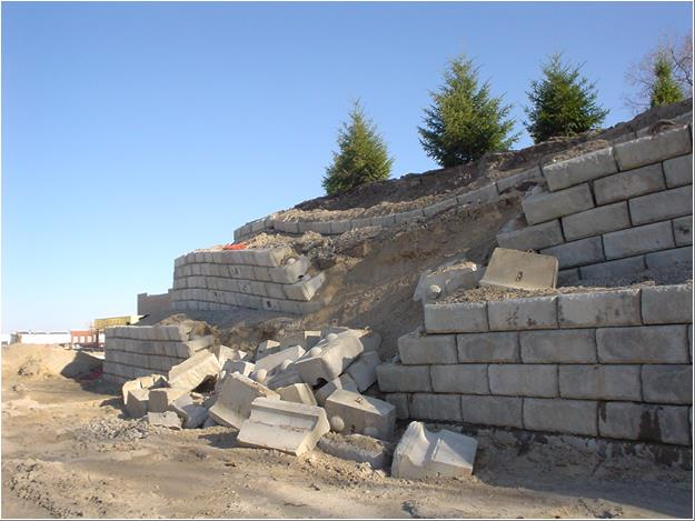 Lessons learned in retaining wall failure